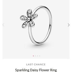 Pandora daisy ring size 5